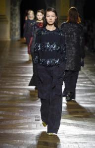 Pull en laine à sequins, Dries Van Noten, 675€