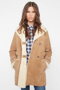 Manteau en cuir et laine moutonnée, Comptoir des Cotonniers, 750€