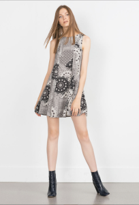 Robe évasée en patchwork, Zara, 39,95€