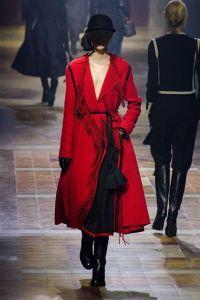 Manteau en laine bouillie à franges, Lanvin, 3 685€
