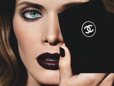 malgosia-bela-for-chanel-noirs-obscurs-fall-2009-2